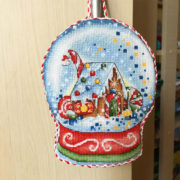 Gingerbread Snow Globe. Embroidered by Victoria Galaktionova