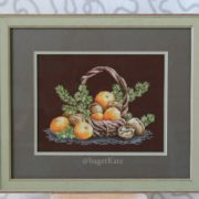 Basket with tangerines